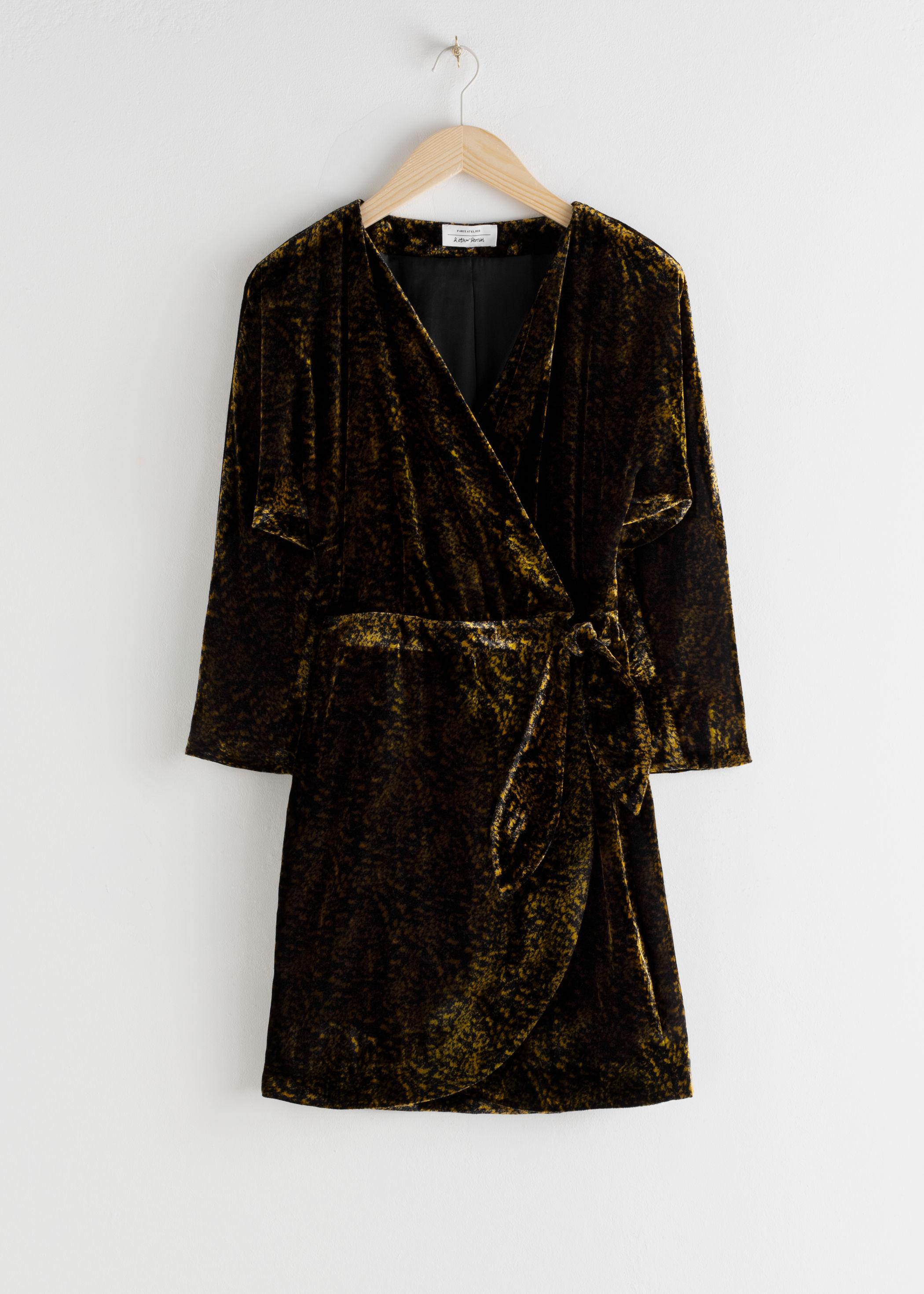 앤 아더 스토리즈 벨벳 랩 원피스 & OTHER STORIES Tiger Print Velvet Mini Wrap Dress,Tiger