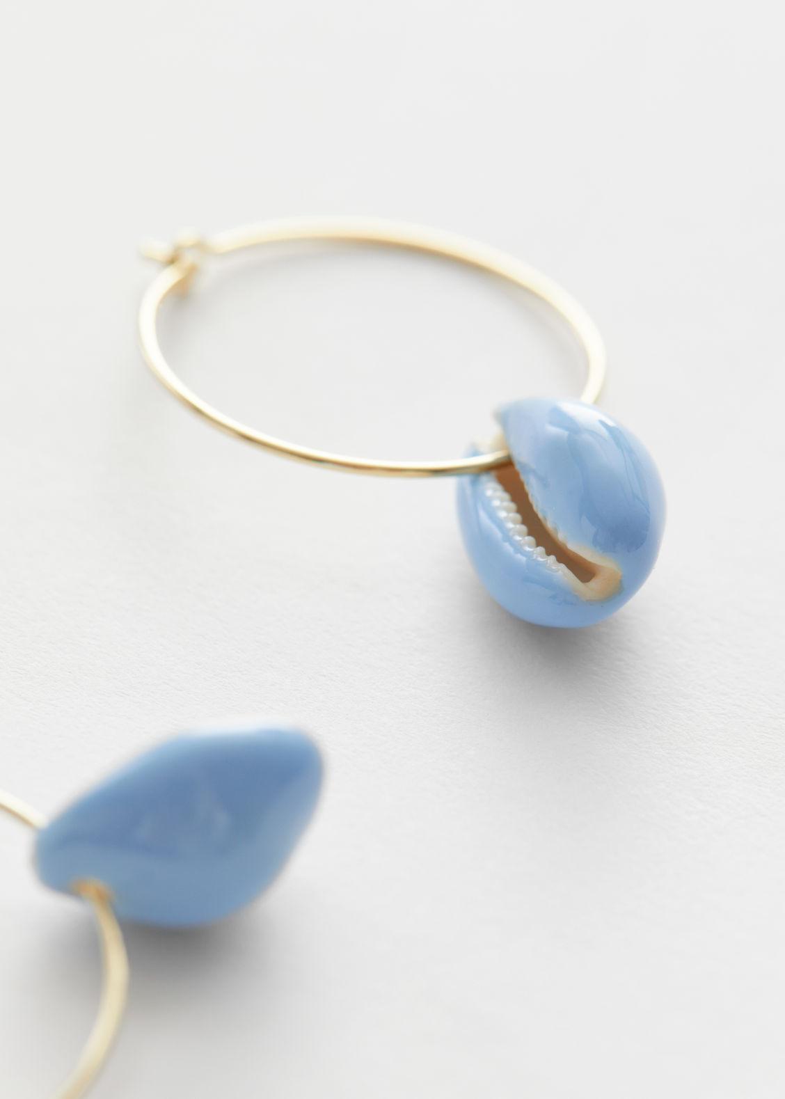 앤 아더 스토리즈 조개 귀걸이 & OTHER STORIES Colour Block Puka Shell Earrings,Light Blue