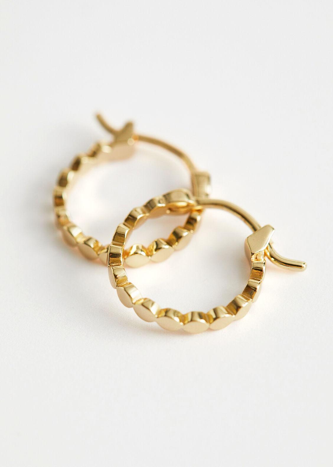 앤 아더 스토리즈 귀걸이 & OTHER STORIES Embossed Hoop Earrings,Gold