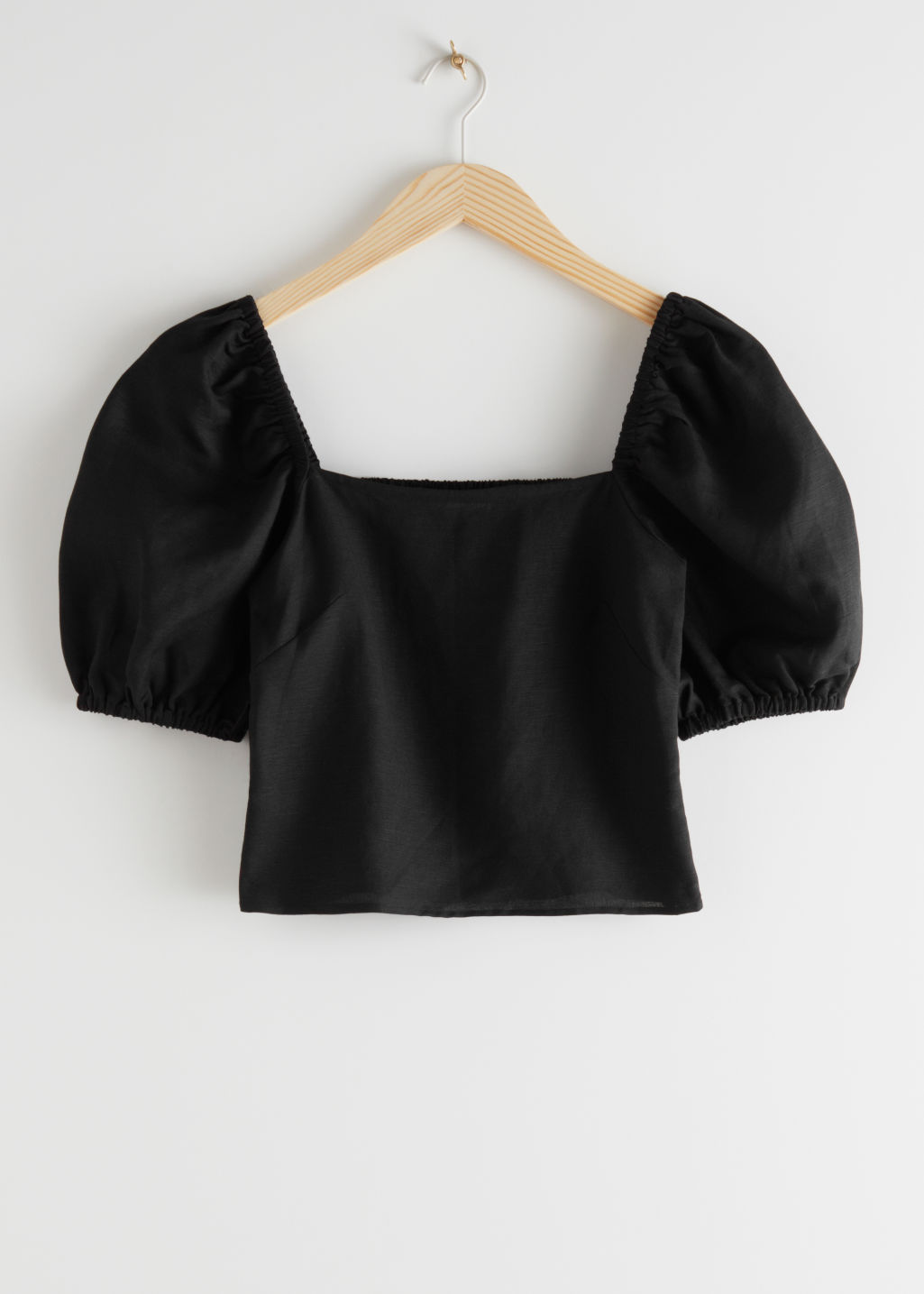 StillLife Front Image of Stories Linen Blend Puff Sleeve Top in Black