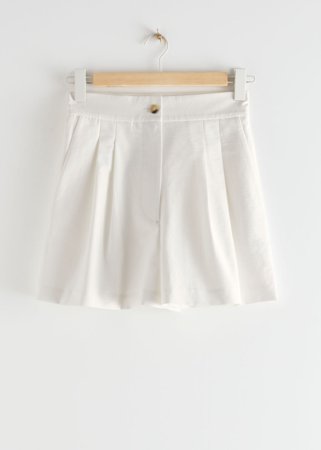 StillLife Front Image of Stories Pleated Shorts in White