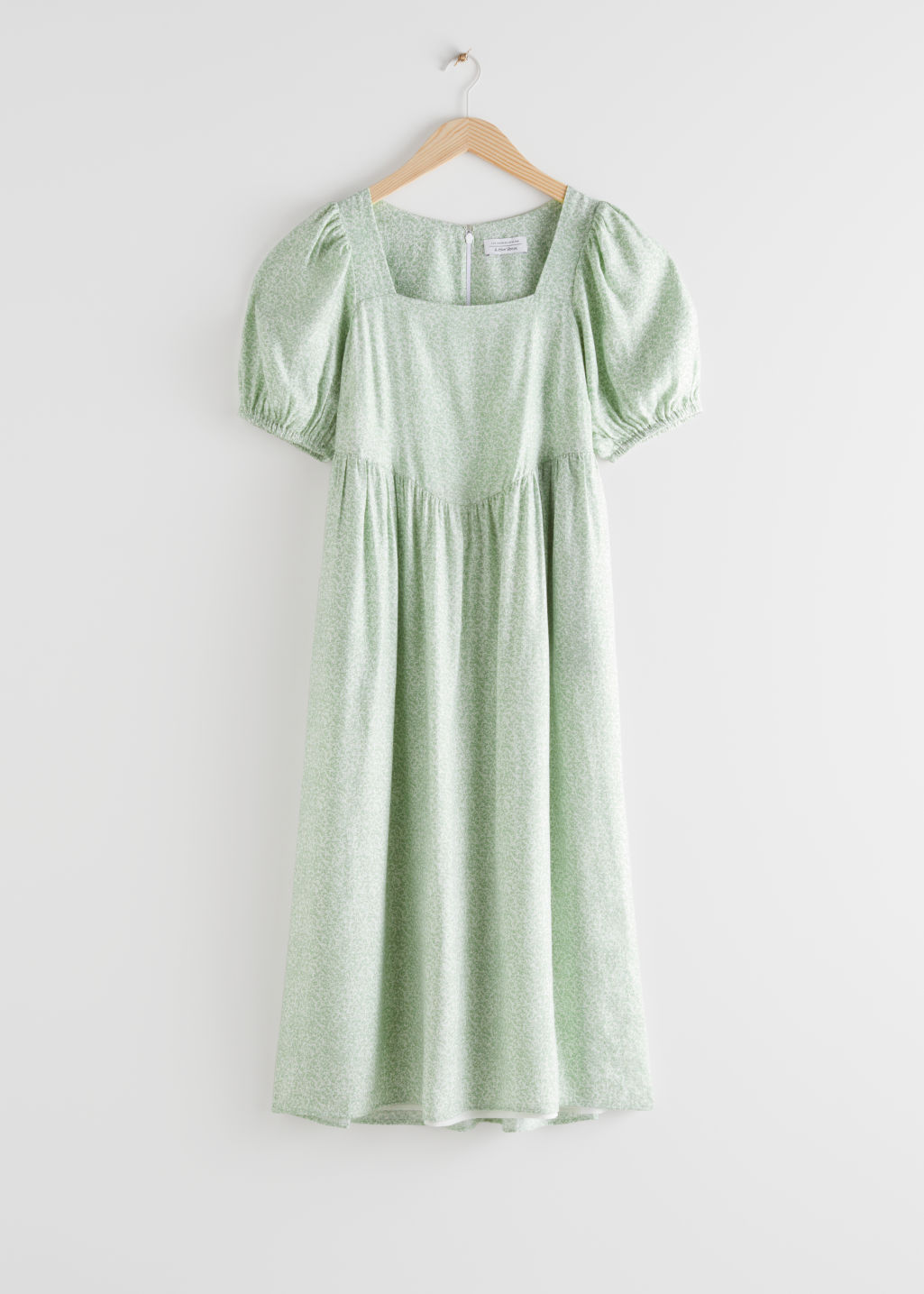 StillLife Front Image of Stories Square Neck Puff Sleeve Midi Dress in Green