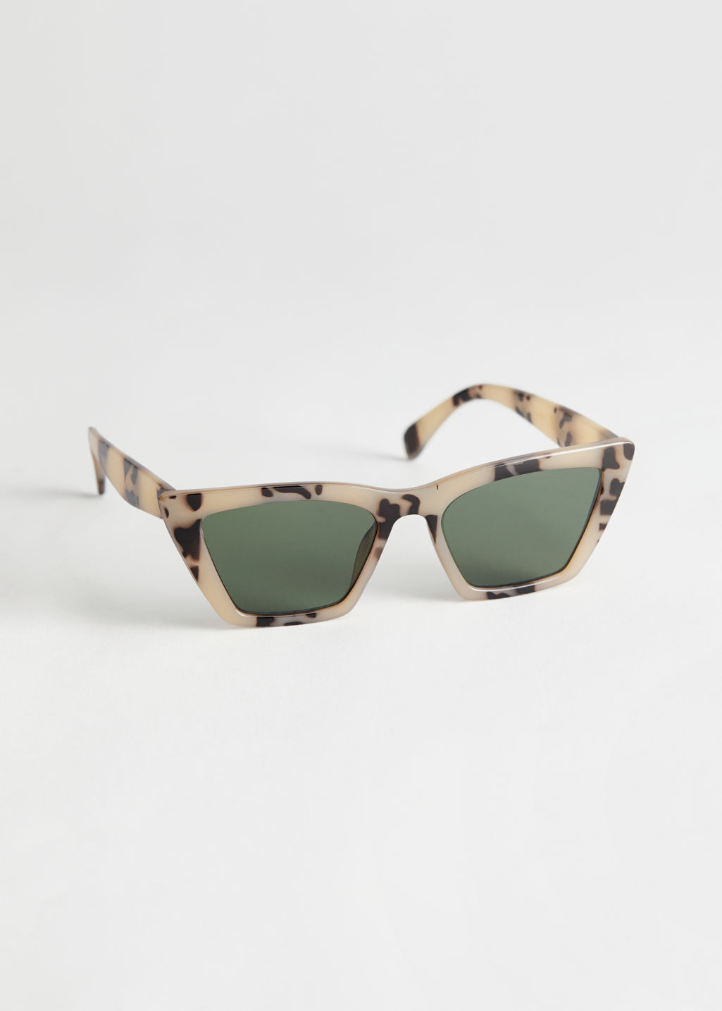 StillLife Front Image of Stories Angular Cat Eye Sunglasses in Beige