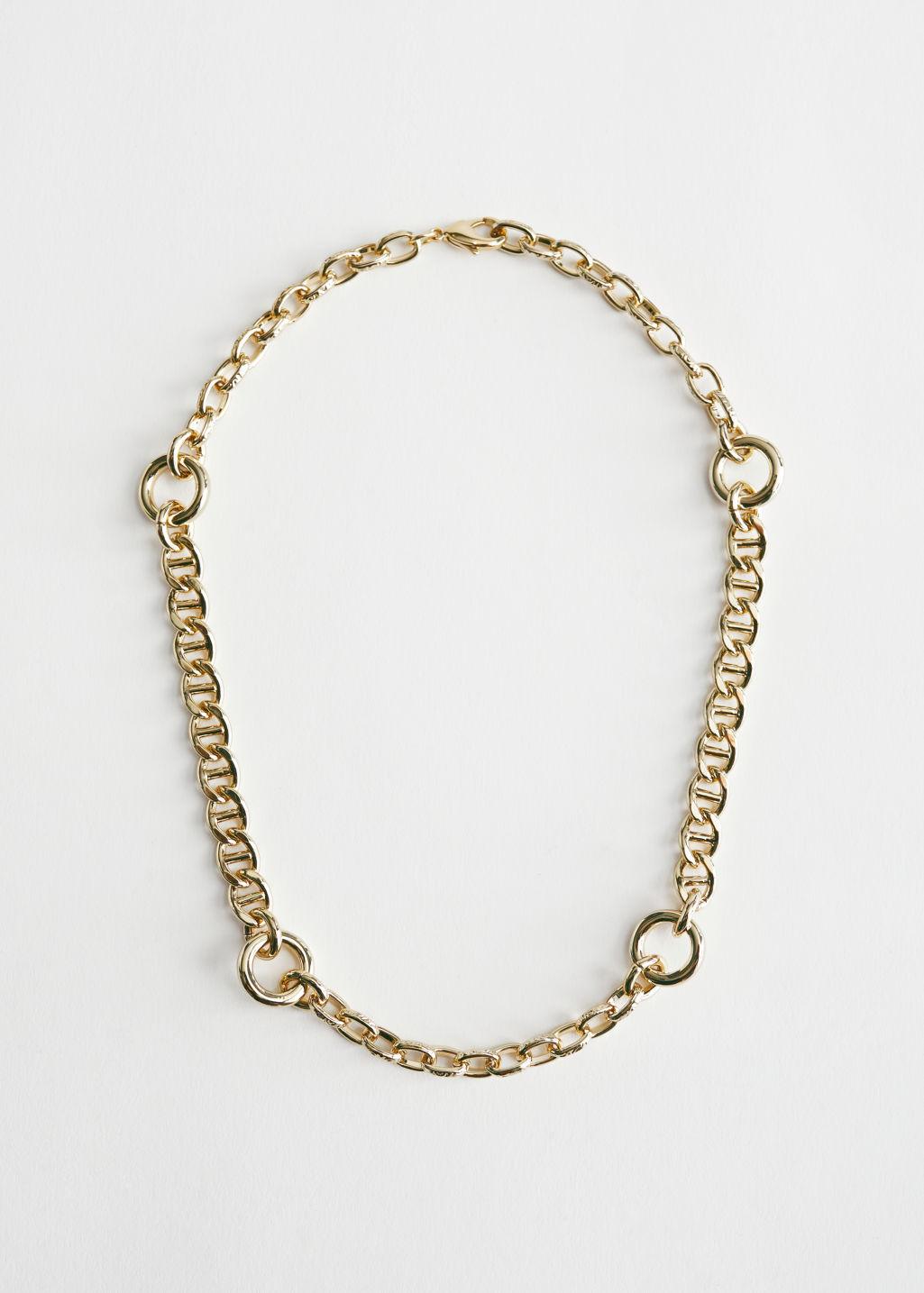 StillLife Front Image of Stories Chunky Chain Fitted Necklace in Gold