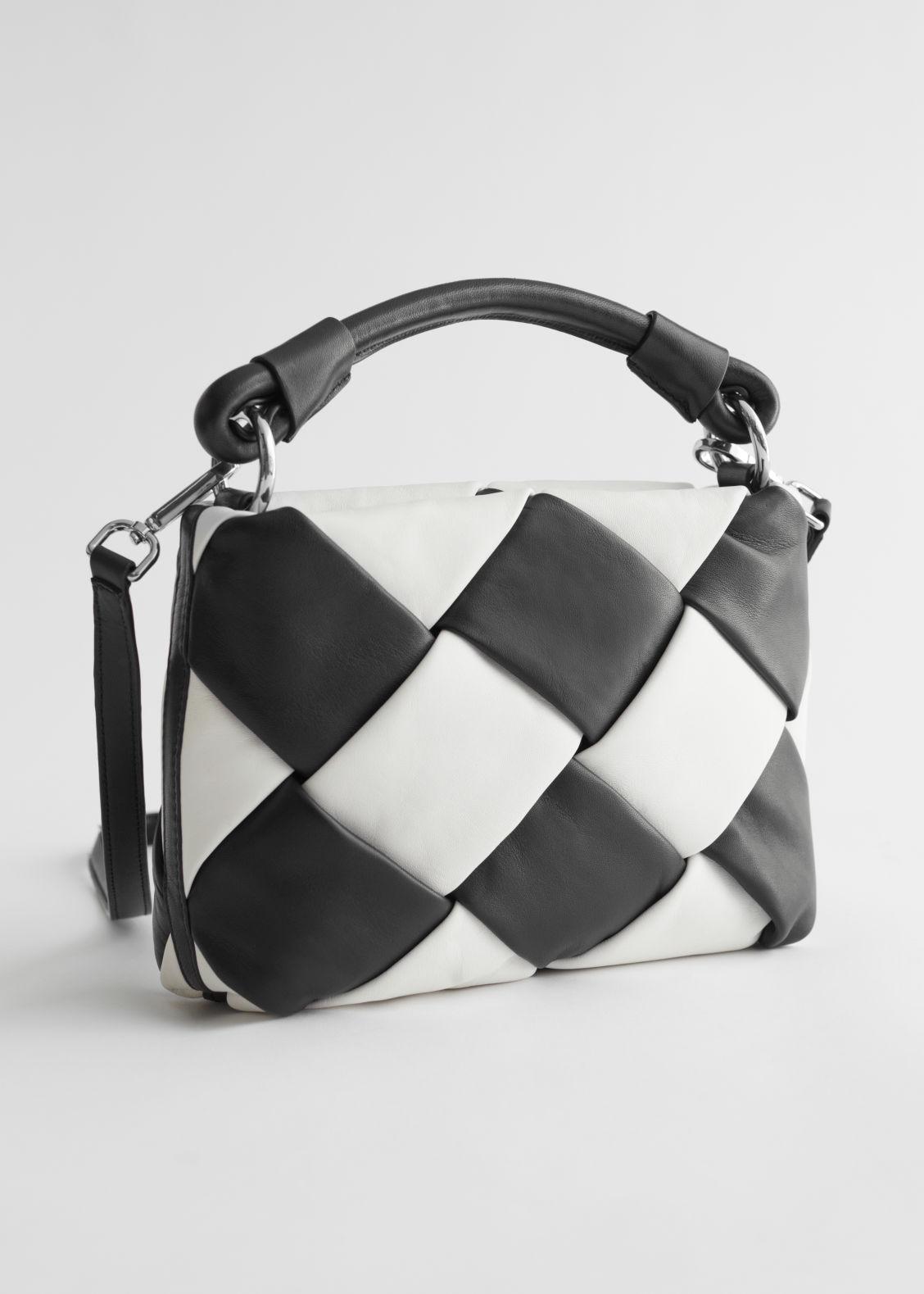 앤 아더 스토리즈 크로스바디백 & OTHER STORIES Braided Leather Crossbody Bag,Black/White
