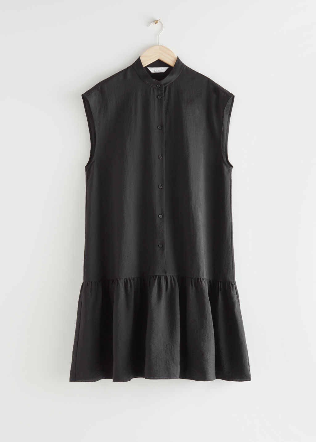 StillLife Front Image of Stories Relaxed Buttoned Midi Dress in Black
