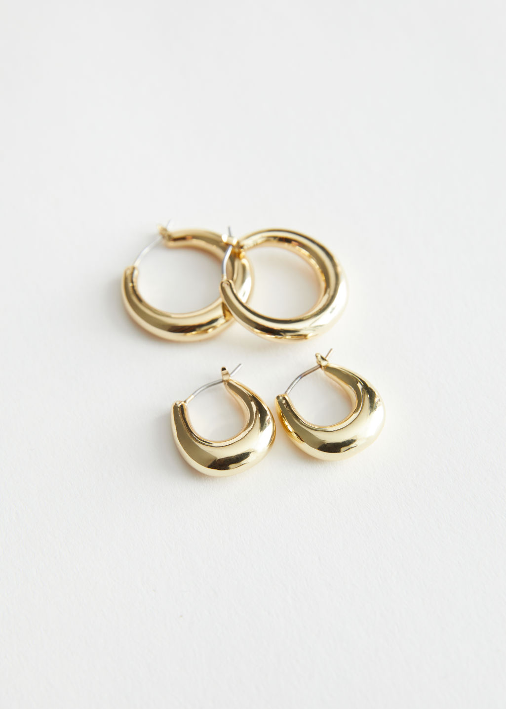 StillLife Front Image of Stories Chunky Hoop Earrings Set in Gold