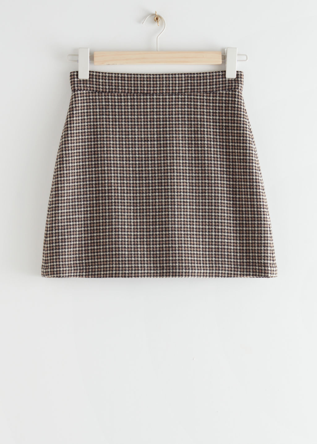 StillLife Front Image of Stories Houndstooth Wool Blend Mini Skirt in Black
