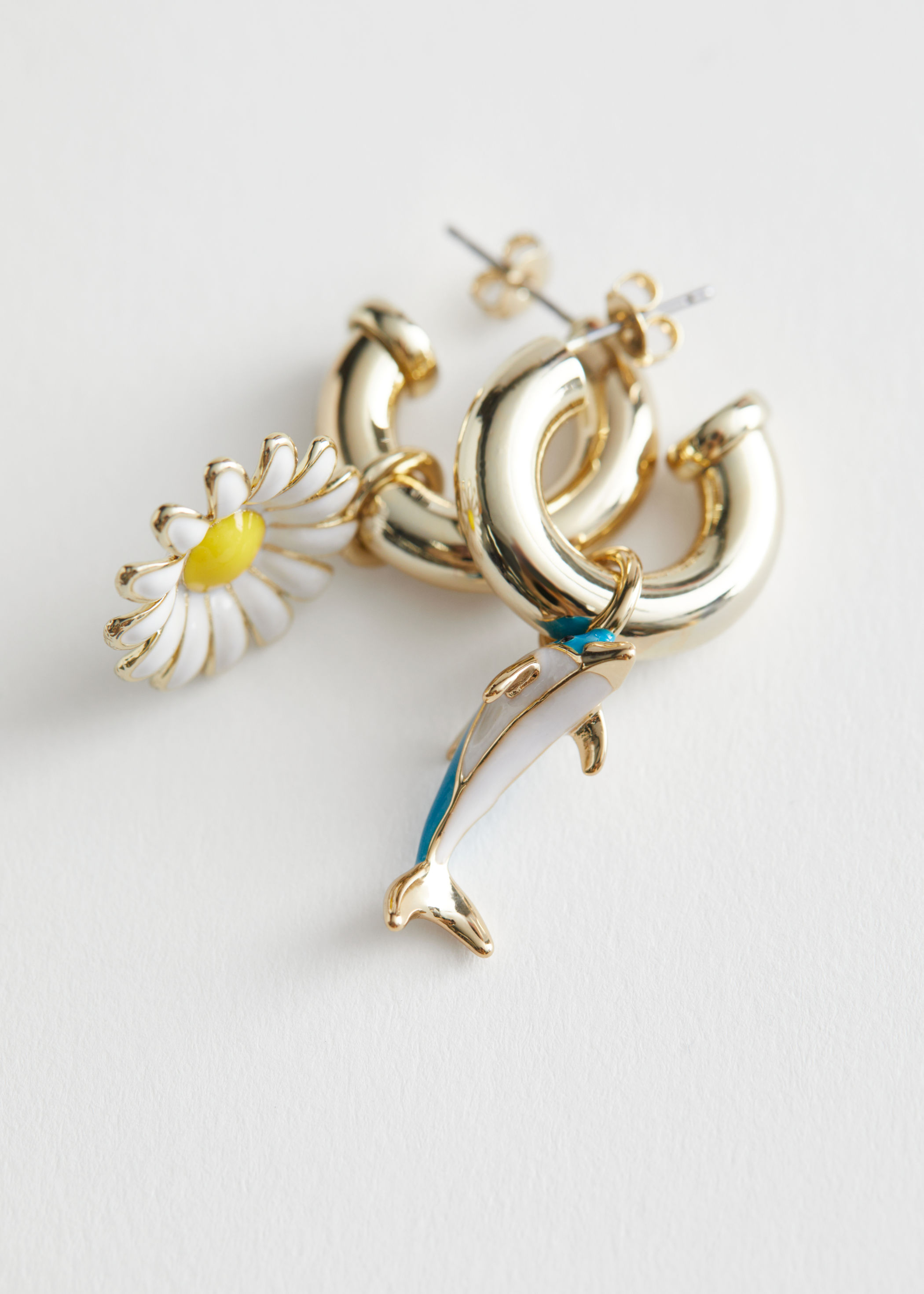 Dolphin Daisy Pendant Hoop Earrings Rejina Pyo x & Other Stories