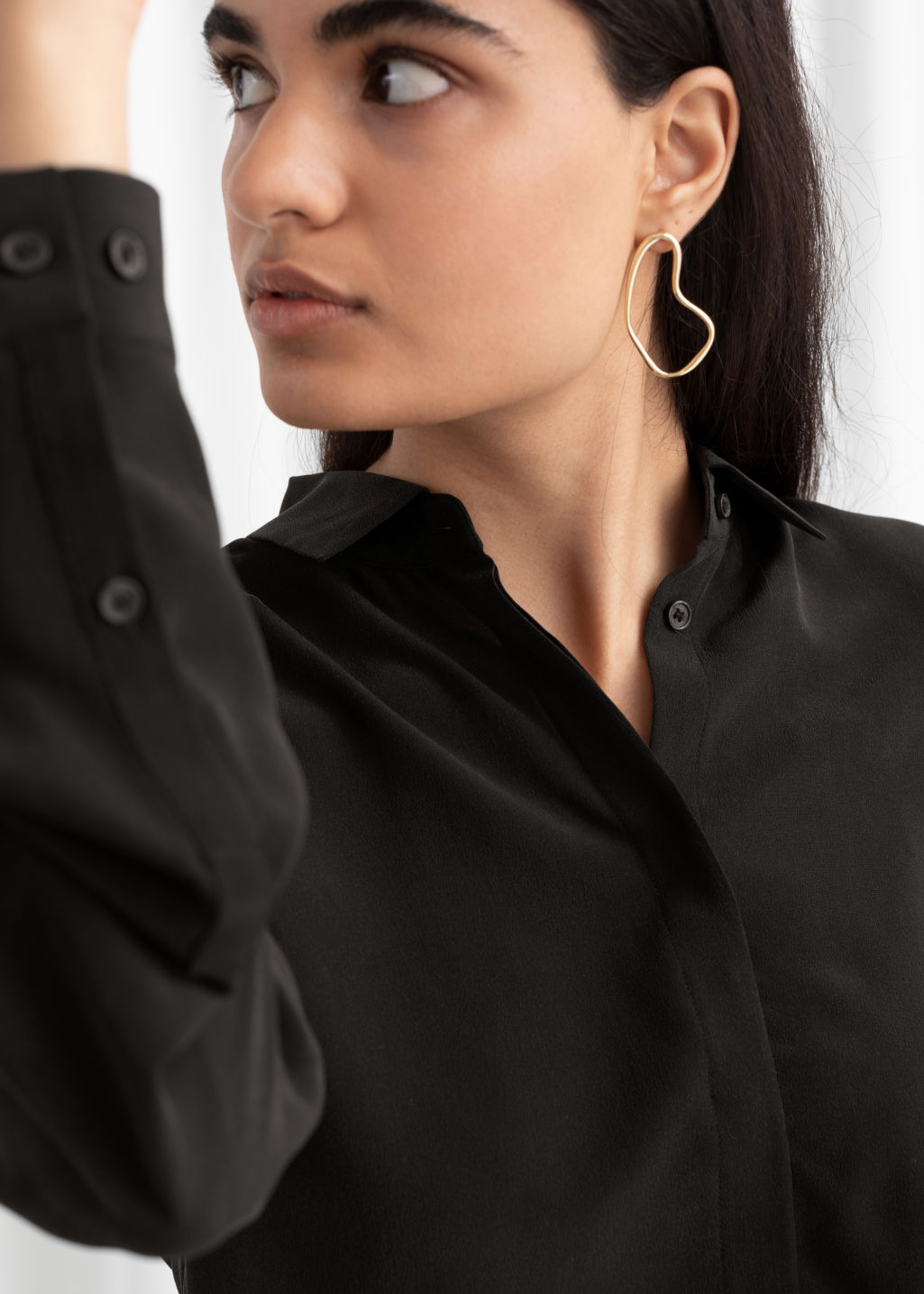 Model back image of Stories straight fit silk shirt in black