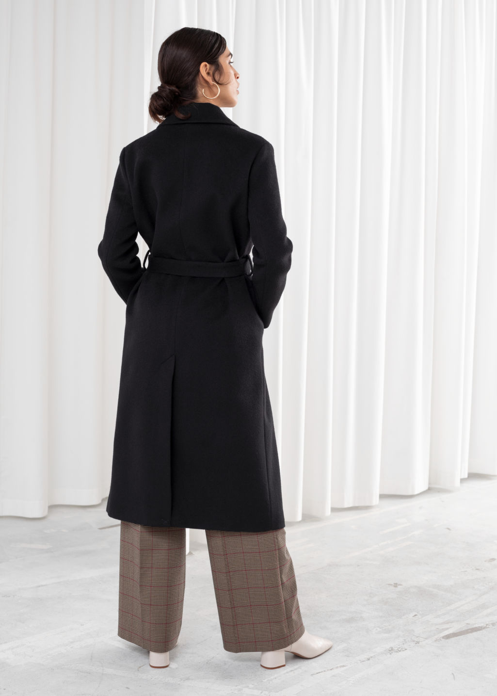 Model back image of Stories loose alpaca blend coat in black