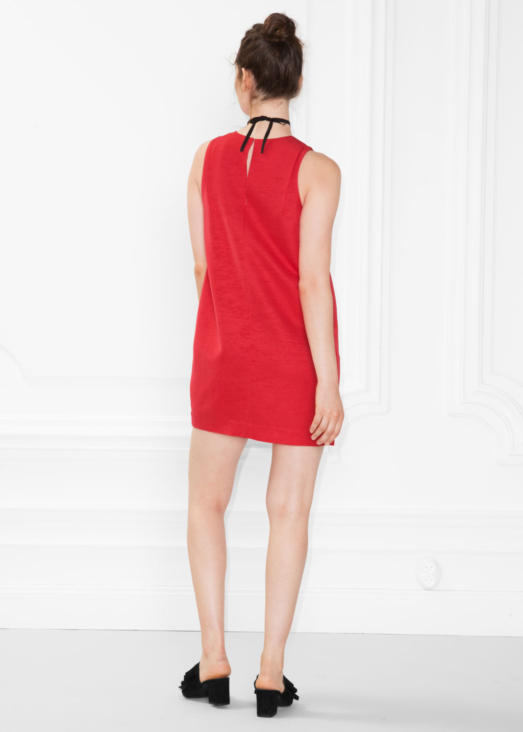 Model back image of Stories sleeveless cocoon dress in red