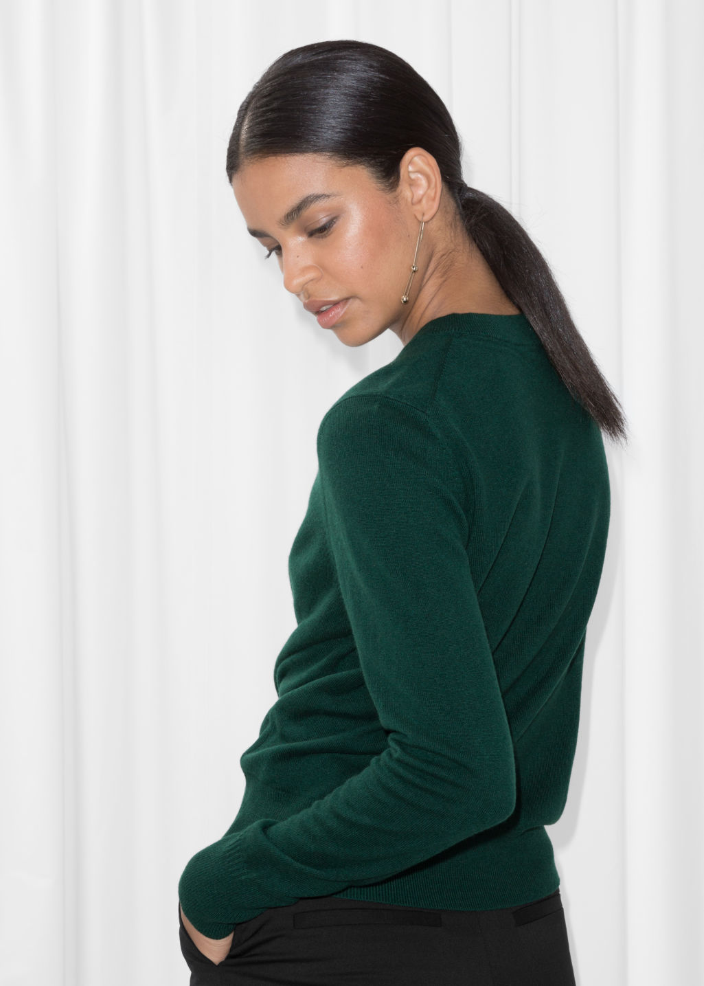 Model back image of Stories cashmere knit sweater in green