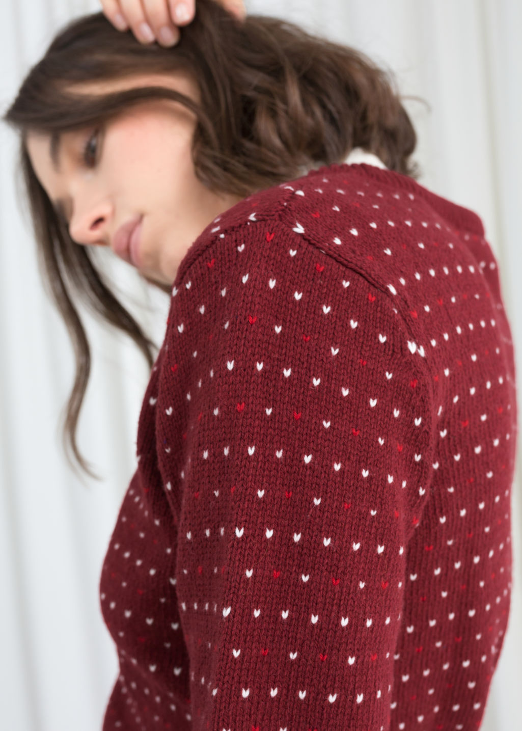 Model back image of Stories after ski wool sweater in red