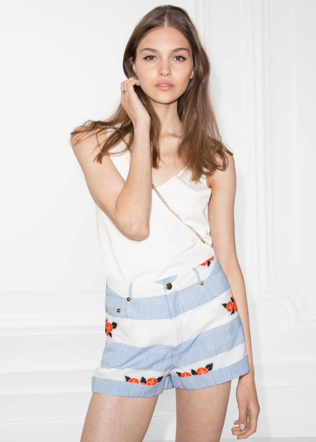 Model front image of Stories v-cut top in white