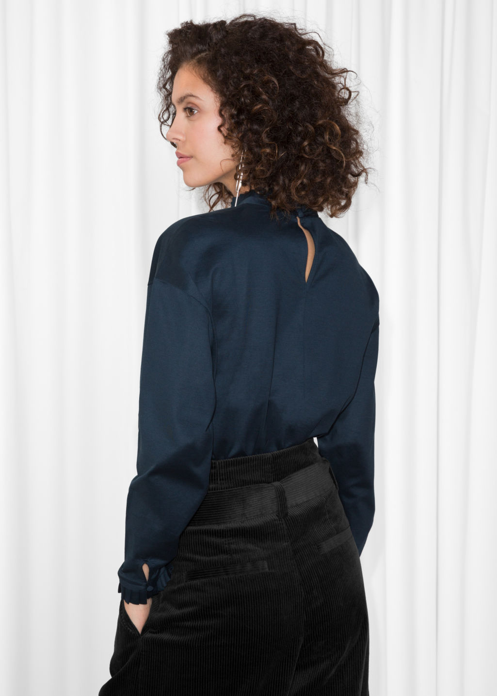 Model back image of Stories pleated frill sweater  in blue