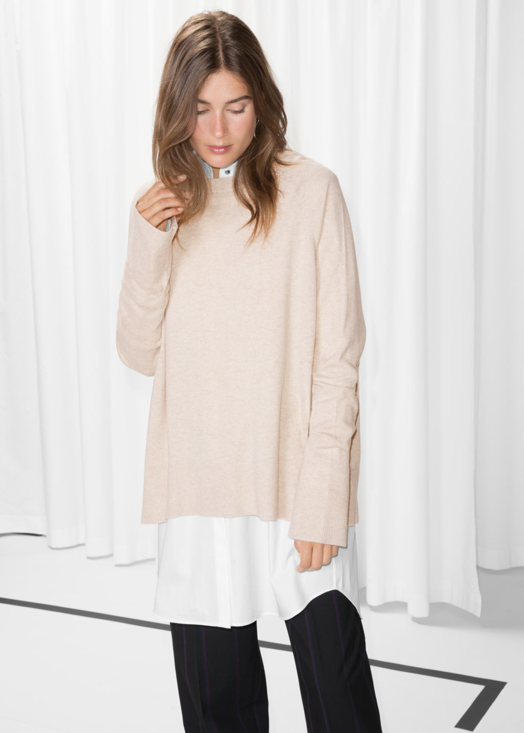 Model front image of Stories oversize cashmere sweater in beige