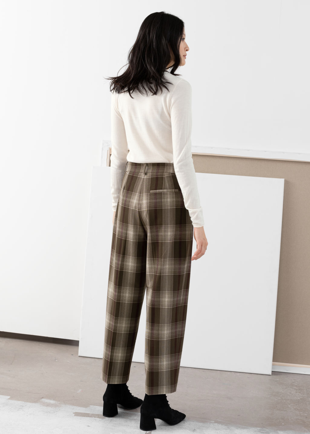 Model back image of Stories tailored straight trousers in brown