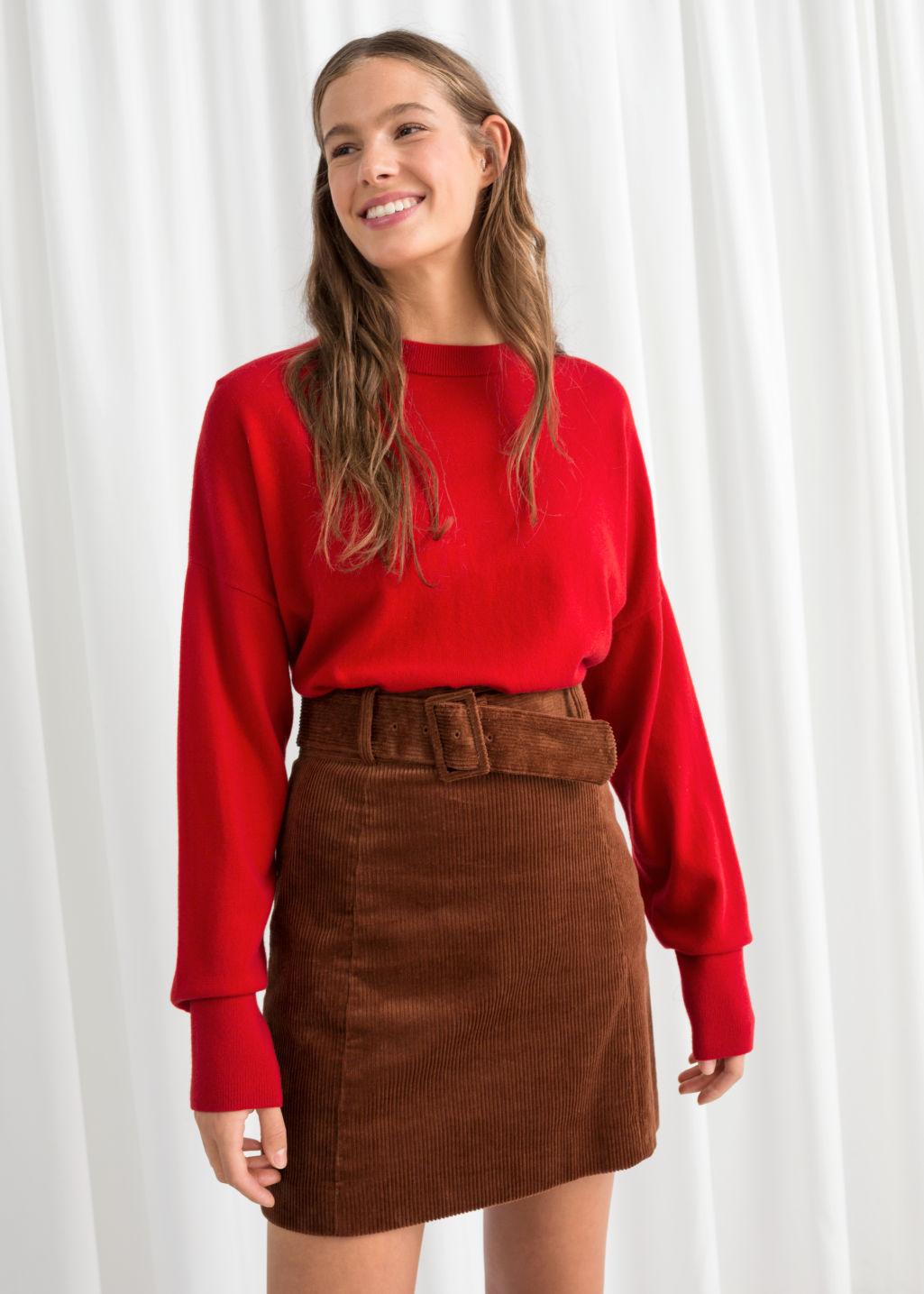 Model front image of Stories cashmere sweater in red