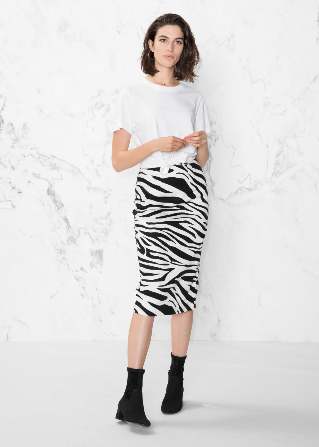 Model back image of Stories zebra pencil skirt in white
