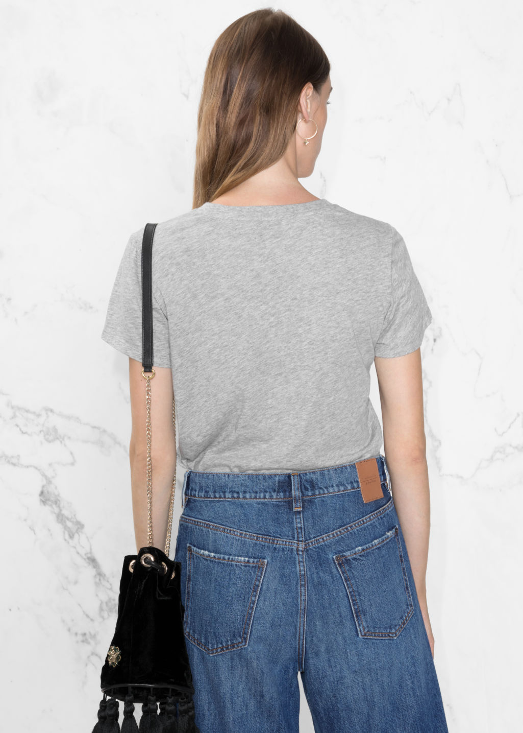 Model back image of Stories organic cotton tee in grey