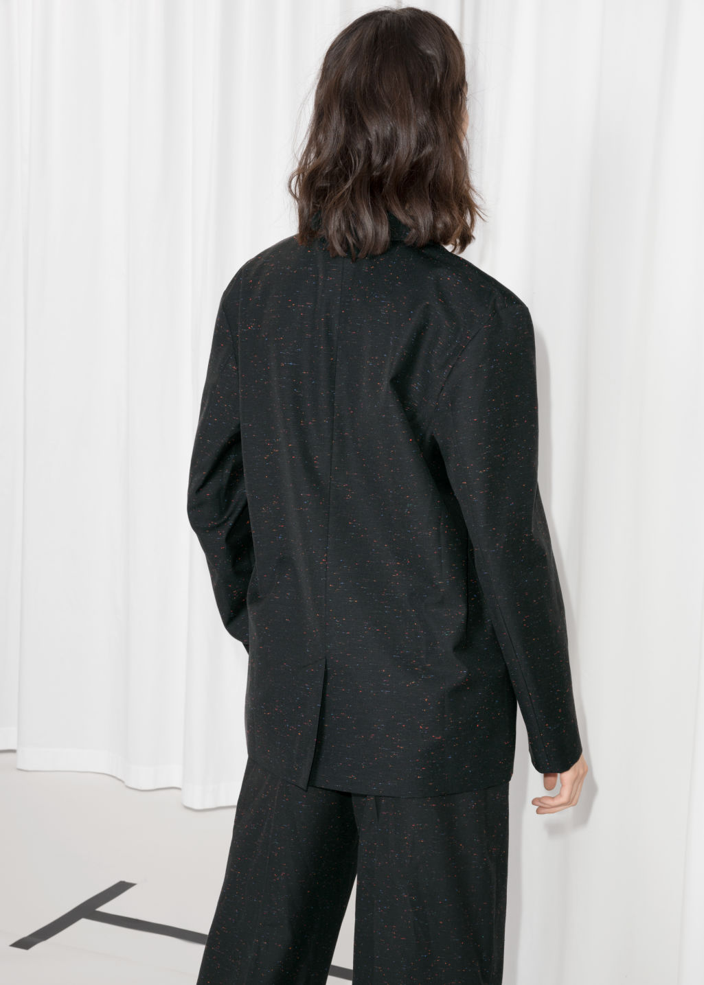 Model back image of Stories boyfriend fit blazer in black
