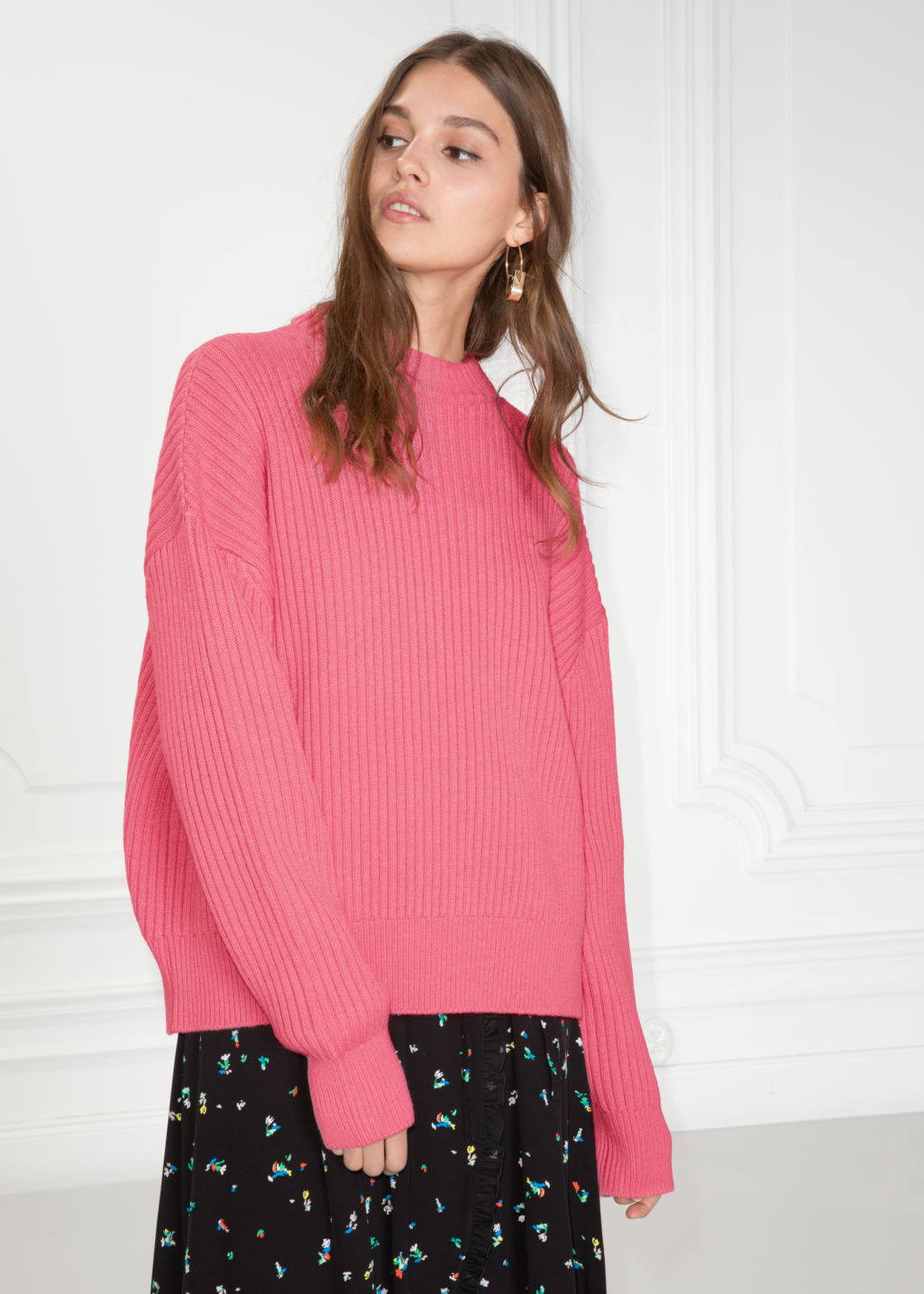 Model front image of Stories oversized straight sweater in pink