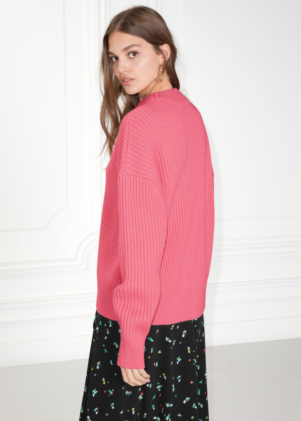 Model back image of Stories oversized straight sweater in pink