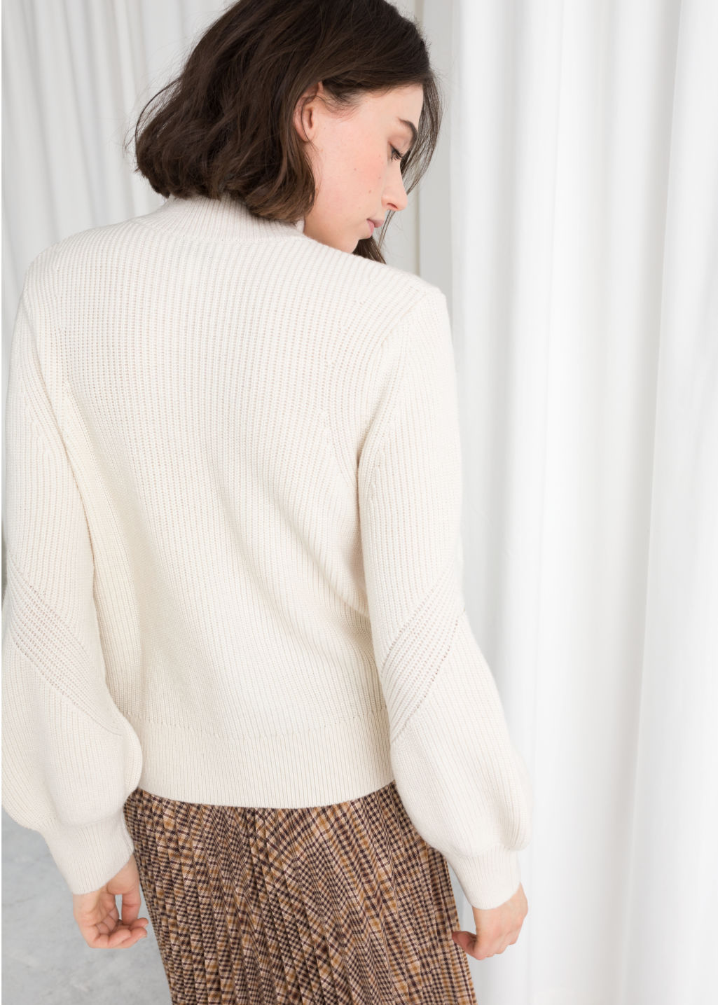 Model back image of Stories balloon sleeve sweater in white