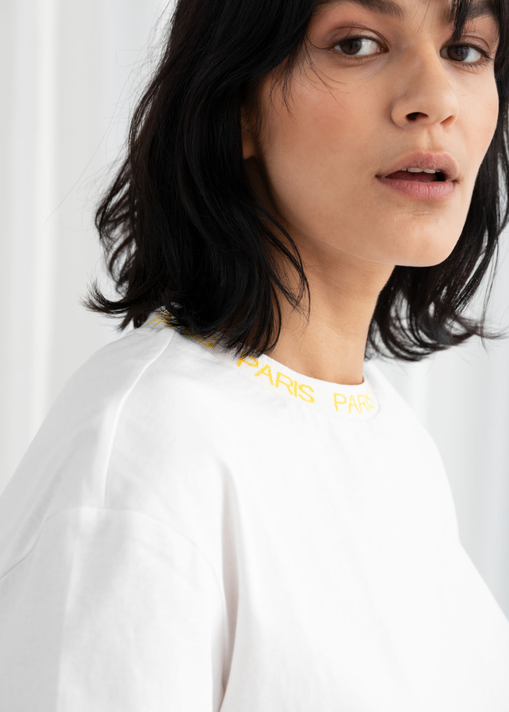 Model back image of Stories beaux jours tee  in white