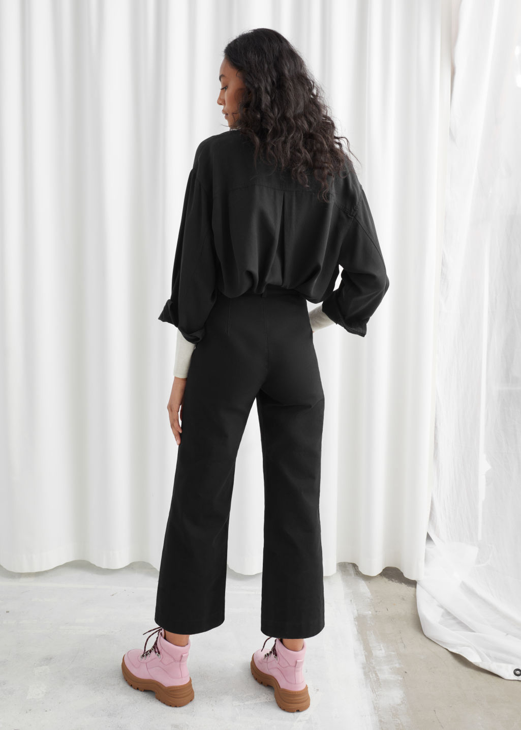 Model back image of Stories high waisted twill trousers in black