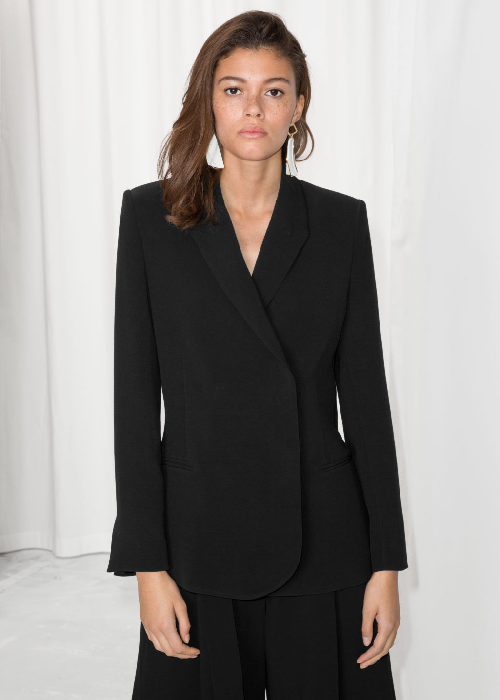Model front image of Stories straight fit blazer  in black
