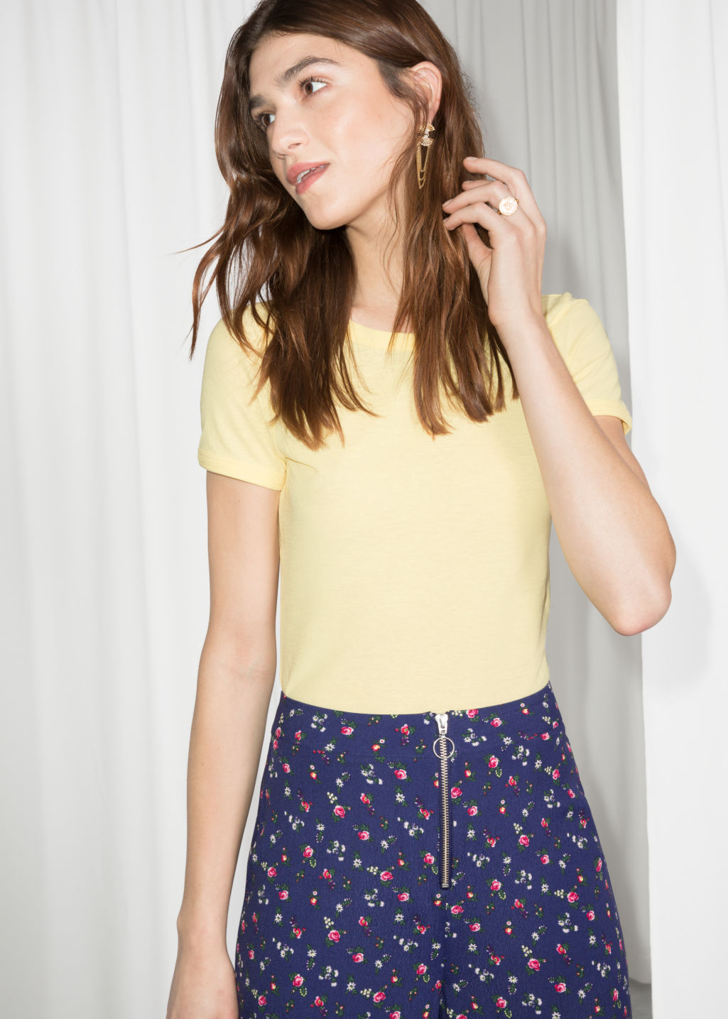 Model front image of Stories fitted tee in yellow