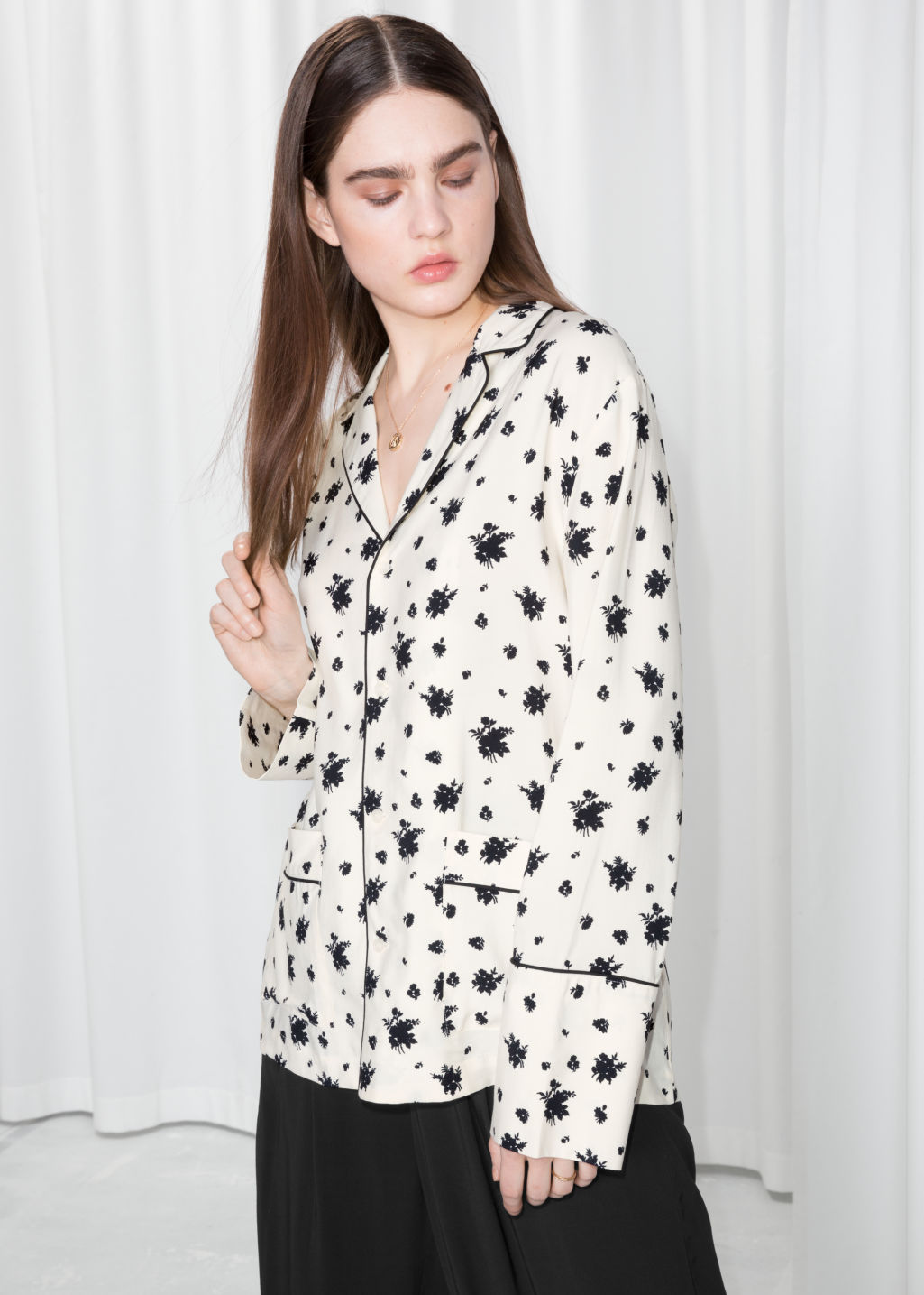 Model front image of Stories lounge button down shirt  in white