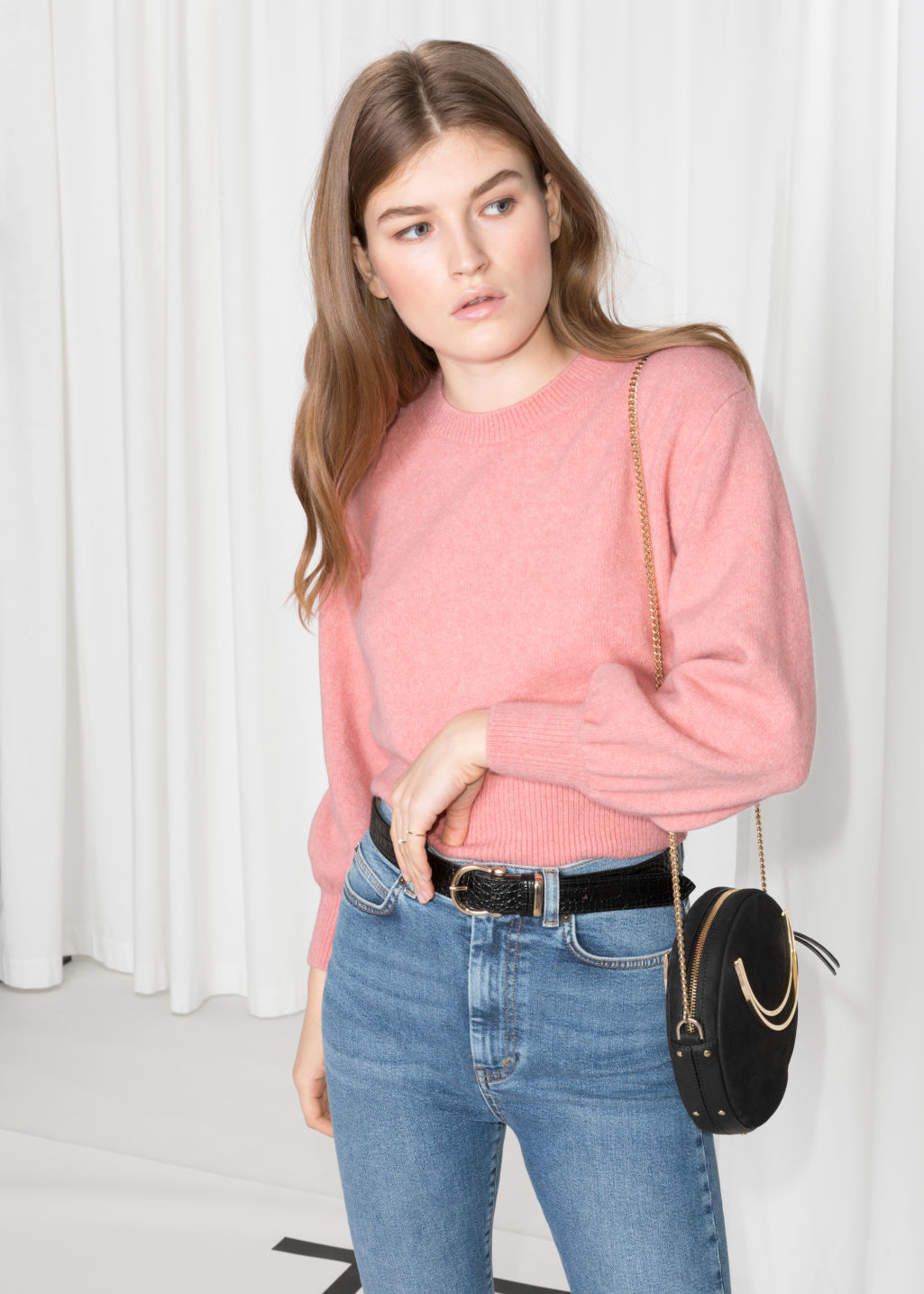 Model front image of Stories cropped sweater in pink