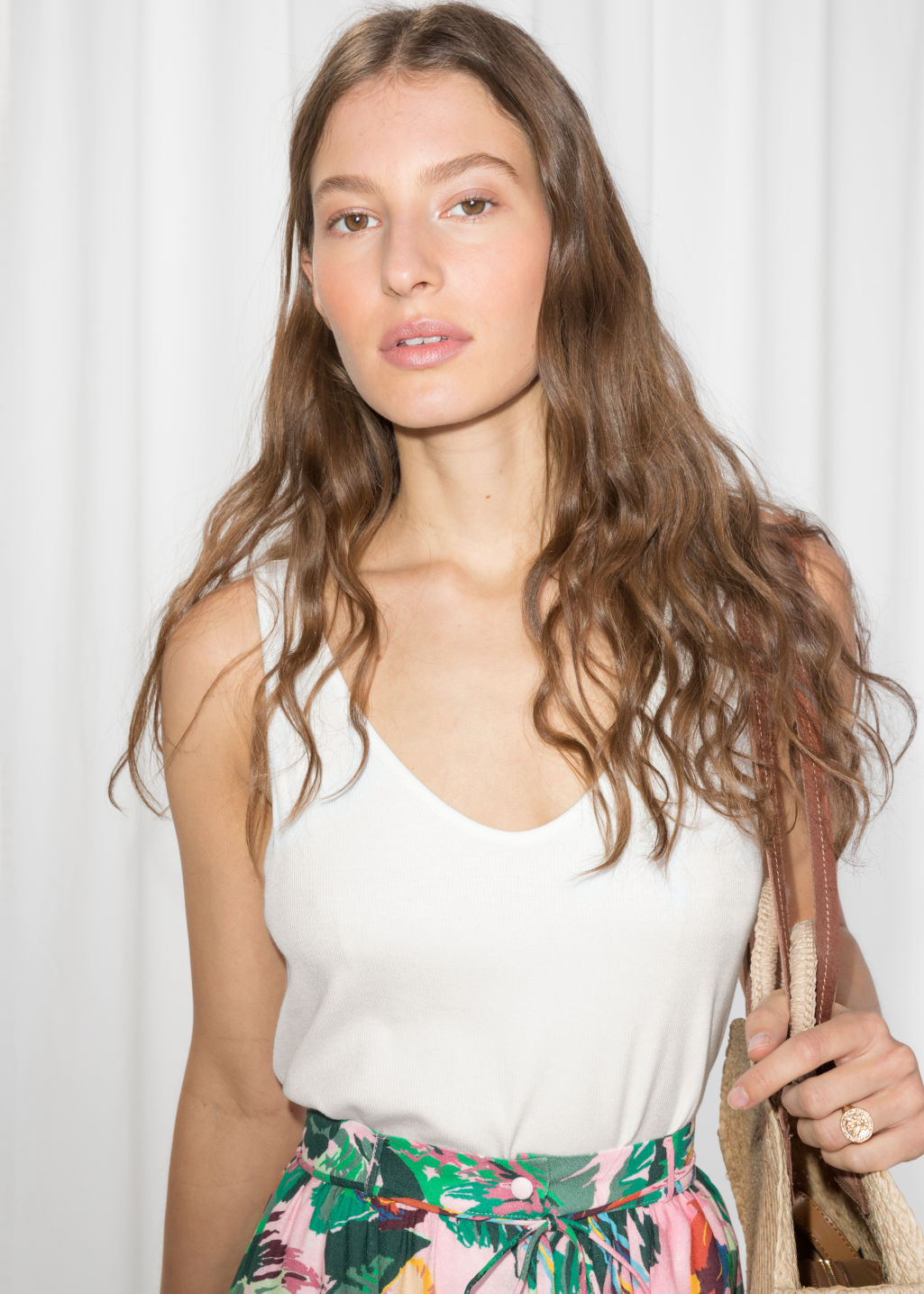 Model front image of Stories ribbed scoop tank top in white