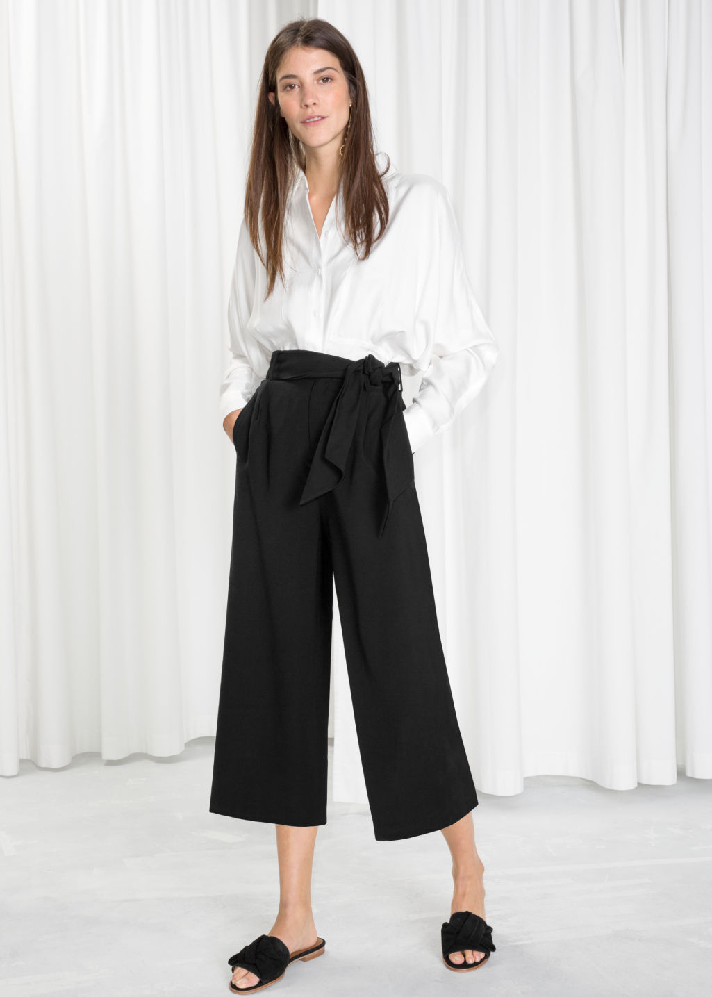 Model front image of Stories side tie culottes in black