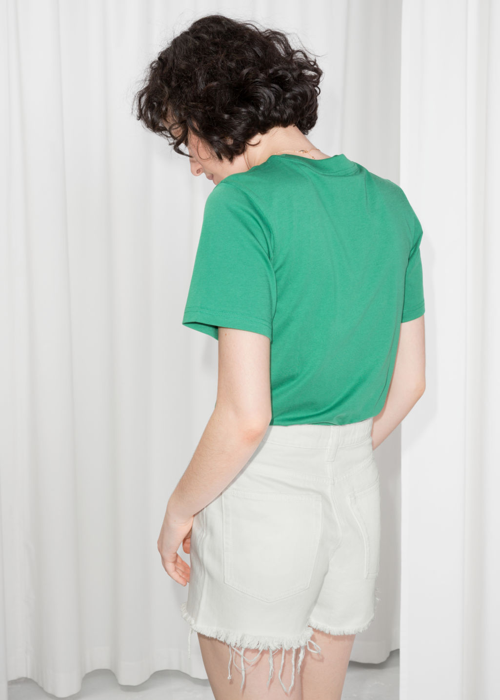 Model back image of Stories basic straight fit t-shirt in green