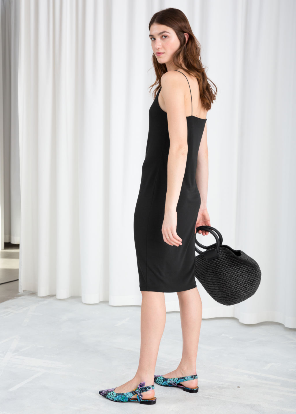 Model back image of Stories fitted keyhole midi dress in black