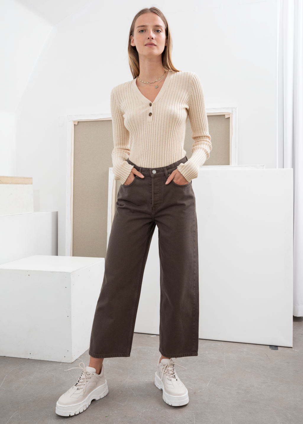 Model front image of Stories loose mid rise jeans in brown