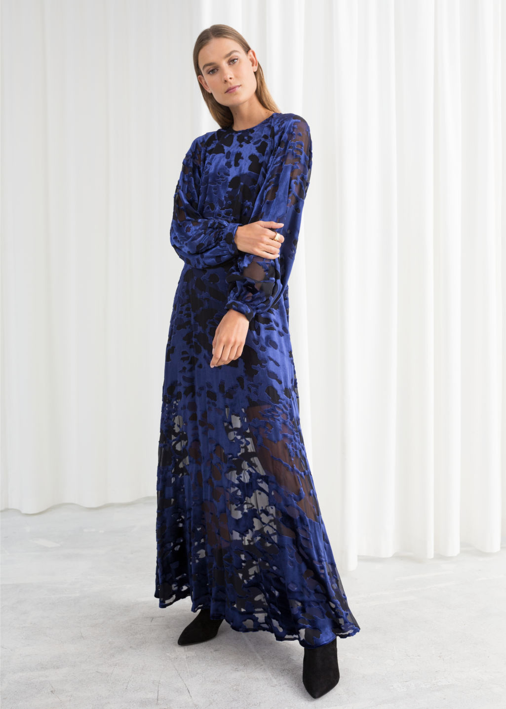 3dc5c7c1cfa31 Sheer Velvet Maxi Dress - Blue   Black - Maxi dresses -   Other Stories