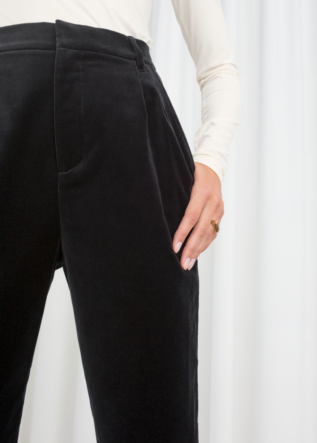 Model back image of Stories high waisted velvet trousers in black