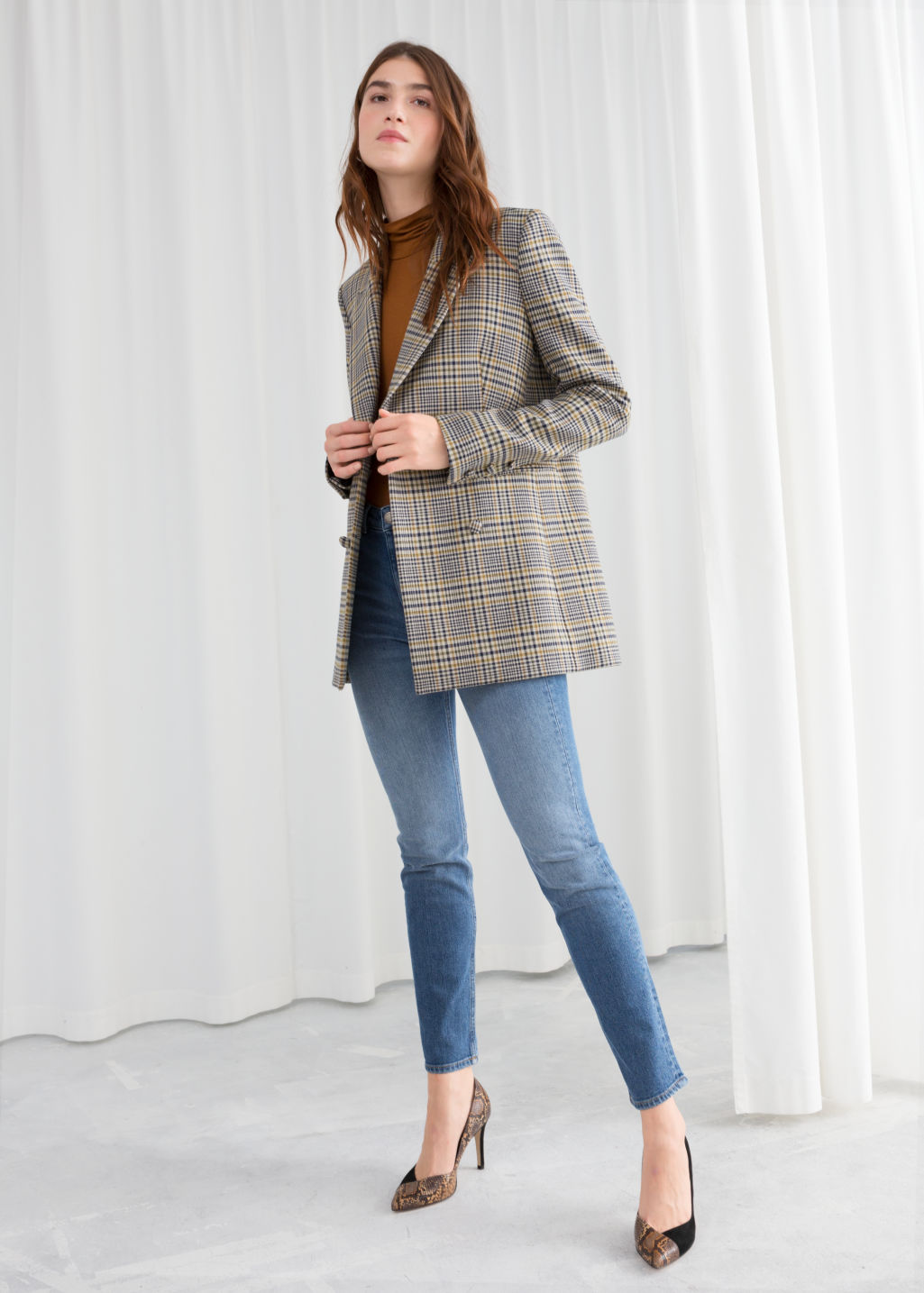 Model front image of Stories oversized structured plaid blazer in grey