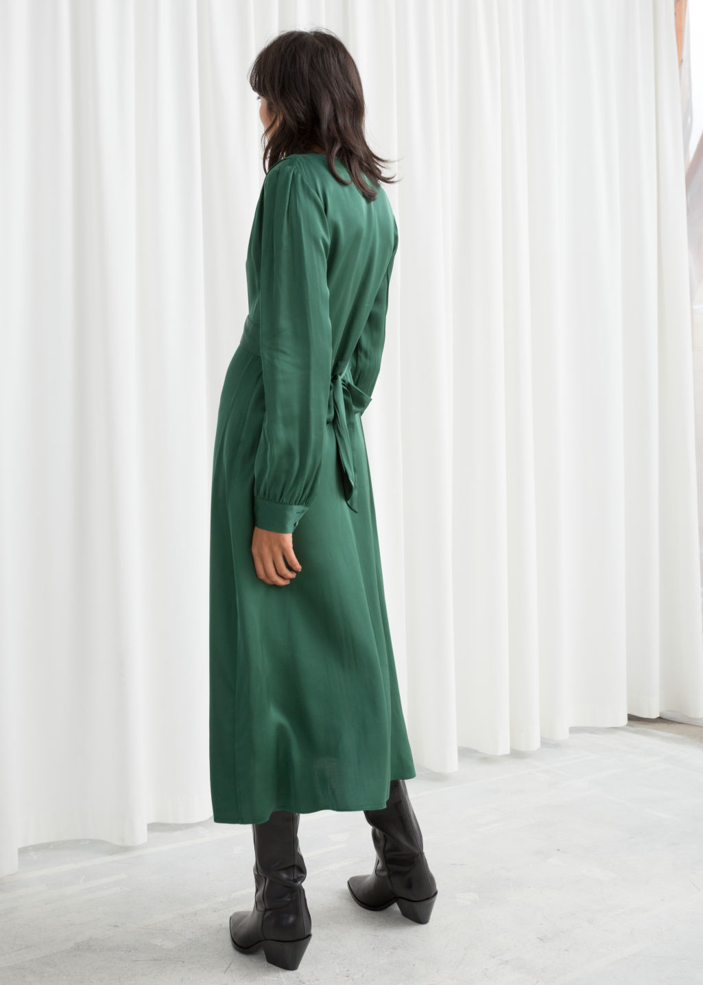 Model back image of Stories plunging ruched midi dress in green