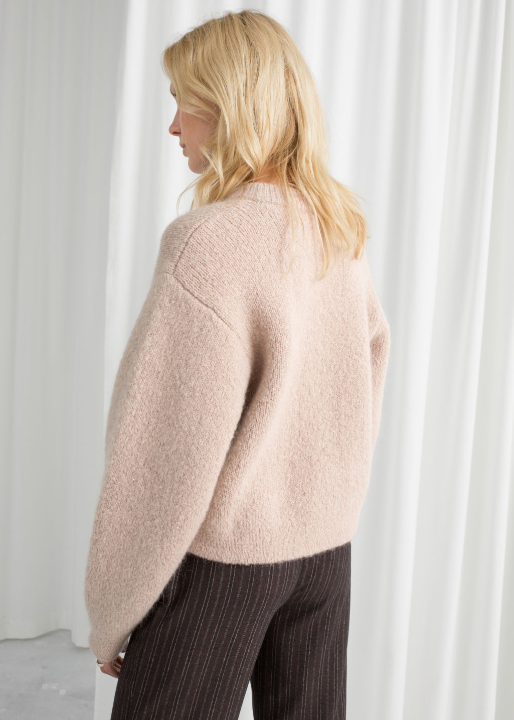 Model back image of Stories chunky jacquard knit sweater in brown