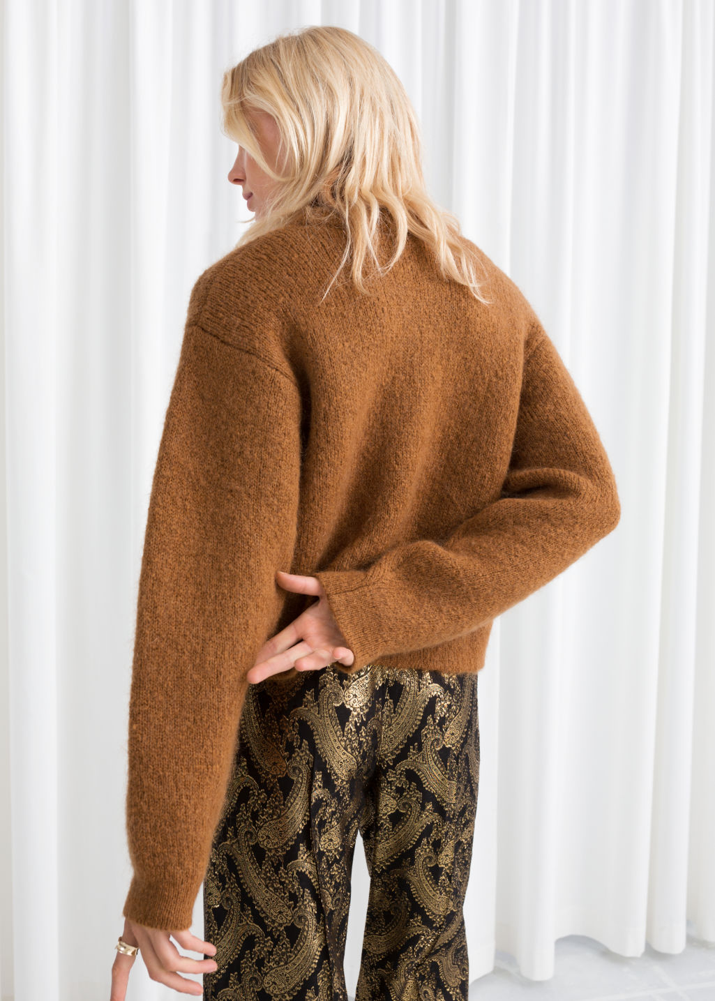 Model back image of Stories chunky jacquard knit sweater in beige