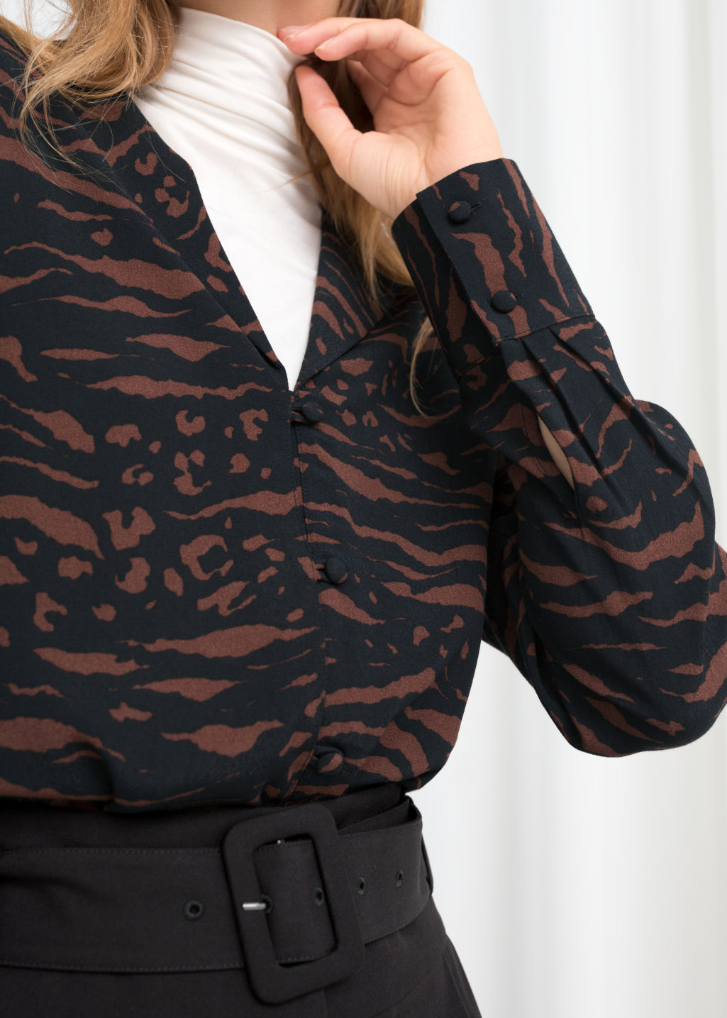 Model back image of Stories v-neck button down blouse in brown