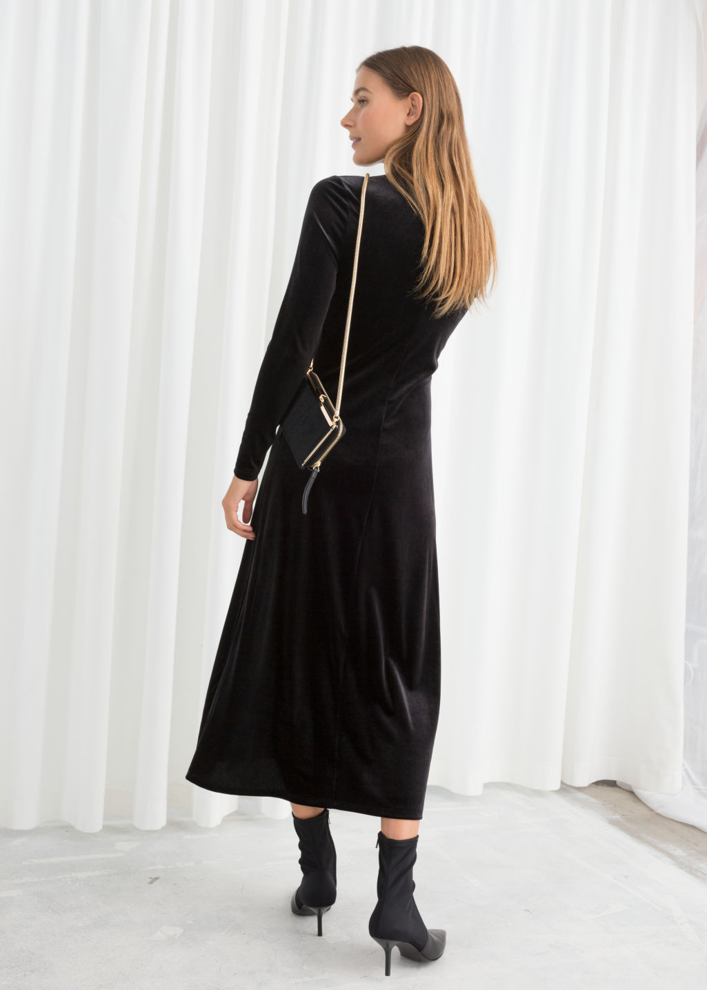 Model back image of Stories velvet turtleneck midi dress in black