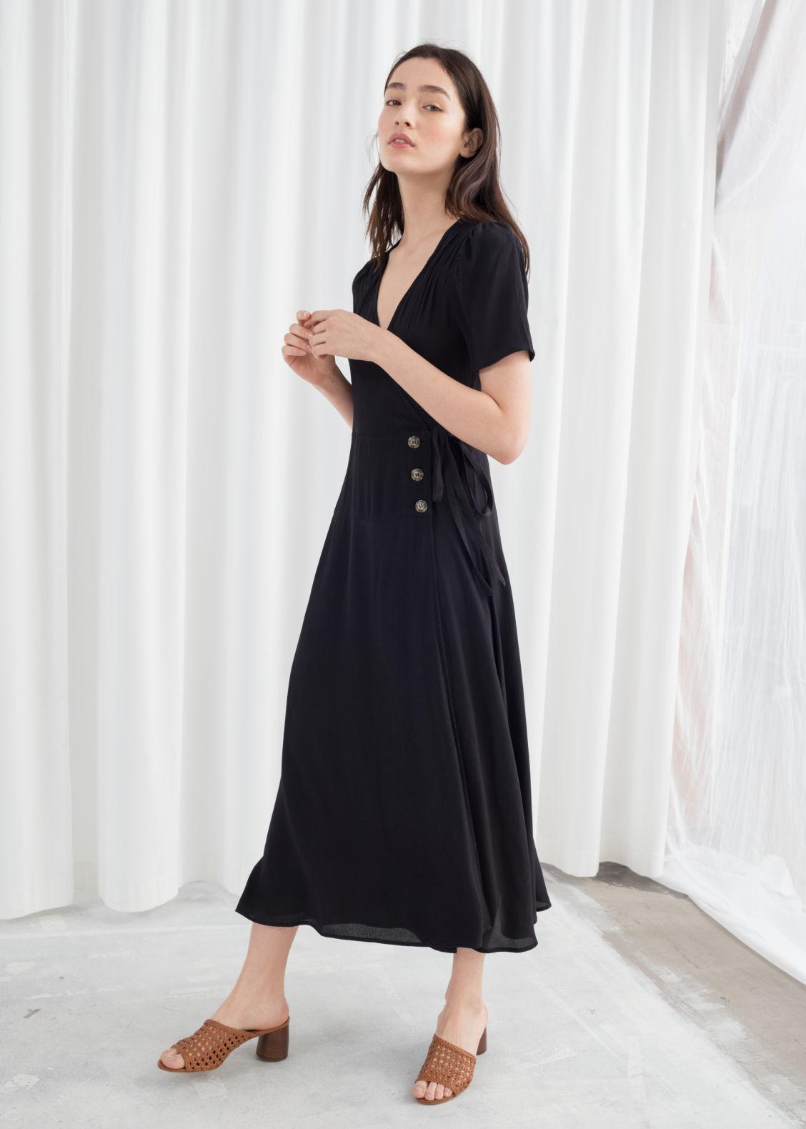 ba36259ad0b5 Flowy Wrap Midi Dress - Black - Midi dresses -   Other Stories