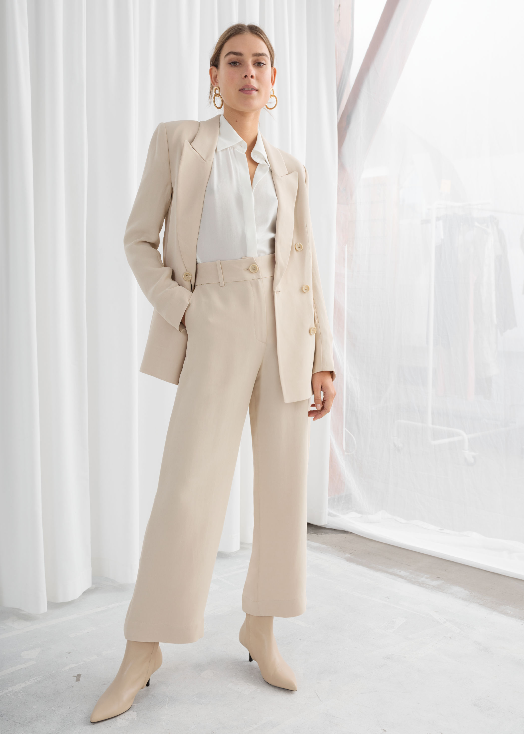 Spring Trend: The White Trouser Suit / Pantsuit